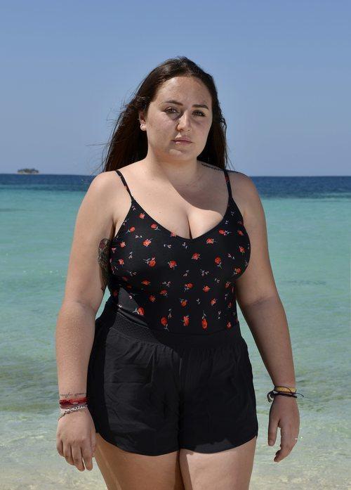 Rocío Flores, de 'Supervivientes 2020', posa en bañador desde la playa de Honduras