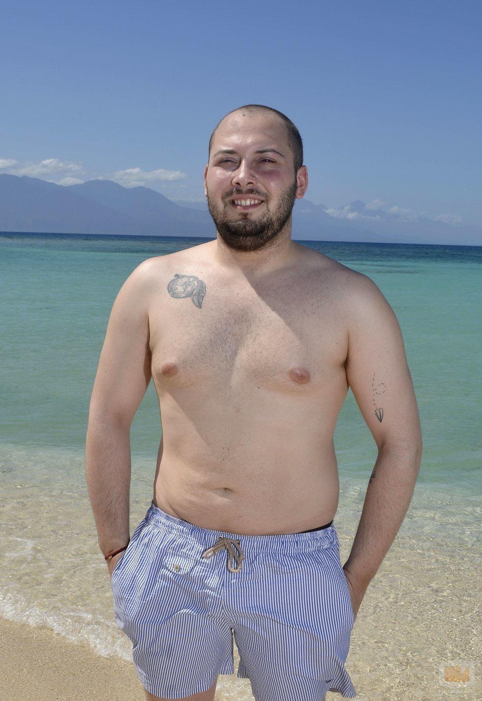 José Antonio Avilés posa en bañador en la playa de 'Supervivientes 2020'