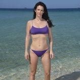 Elena Rodríguez, concursante de 'Supervivientes 2020', posa en bañador