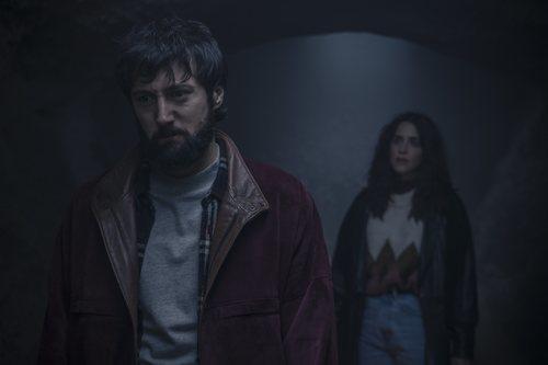 Iñaki Ardanaz y Macarena García en 'Paraíso', serie de Movistar+