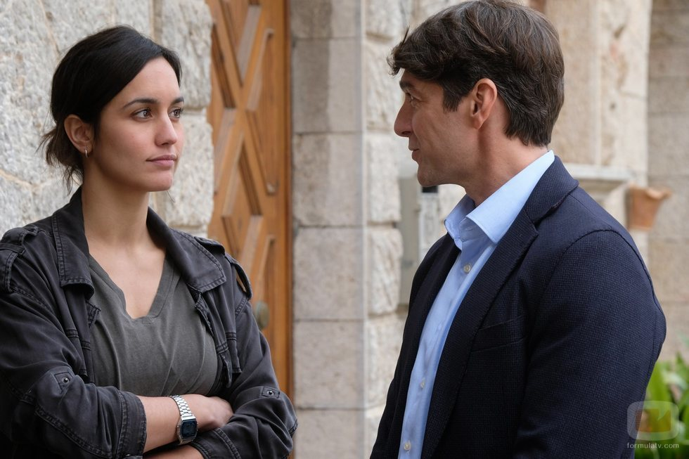 Megan Montaner y Félix Gómez en el rodaje de 'La caza. Tramuntana'
