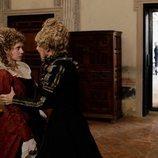 Irene Larra, enfadada con Carolina en 'El Ministerio del Tiempo'