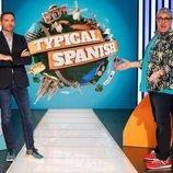 Frank Blanco posa con Flo y Vicky Martín Berrocal, en 'Typical Spanish'