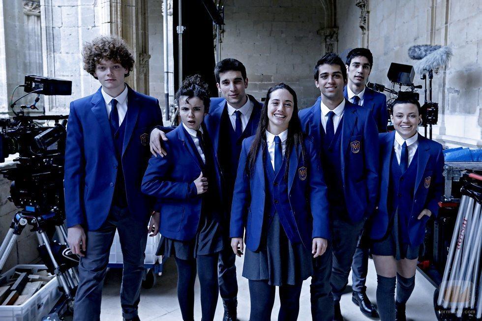 El reparto de 'El Internado: Las Cumbres' en el rodaje