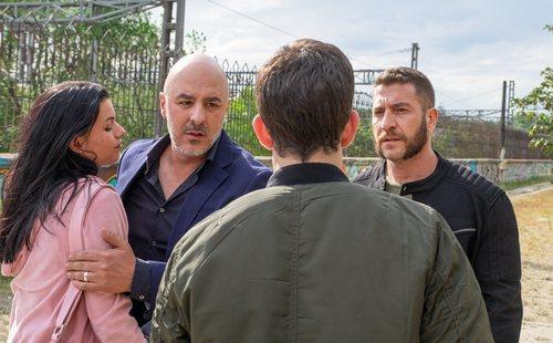 Sofía Oria, Roberto Álamo y Raúl Tejón en 'Caronte'