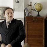 Vicente Romero es Emilio Herrera en 'El Ministerio del Tiempo'