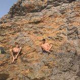 Francesc Cuéllar y Dani Luque, de 'Mercado central', desnudos en la playa