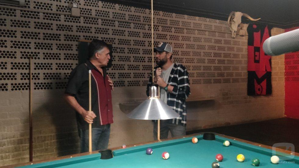 El Gran Wyoming y Dani Mateo juegan al billar en 'Palo y astilla'