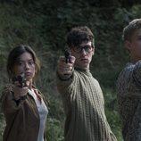 Anna Castillo, Àlex Monner y Patrick Criado en una escena de 'La línea invisible'