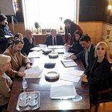 Parte del equipo de 'El Ministerio del Tiempo' en el rodaje de la cuarta temporada