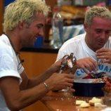 Ismael e Iván disfrutan de una mariscada en 'GH 1'