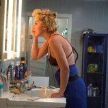 Ania Iglesias se maquilla en el baño de 'GH 1'