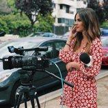 Alexia Rivas grabando un reportaje para 'Socialité'