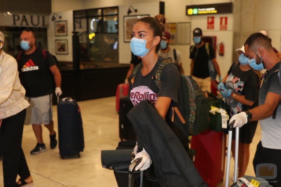 Lara Álvarez en el aeropuerto de Barajas tras 'Supervivientes 2020'