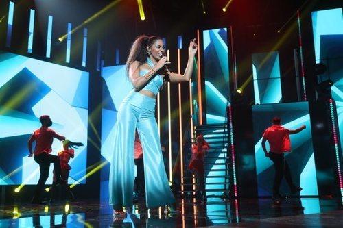 "Nia canta ""I like it"" en la Gala Final de 'OT 2020'"