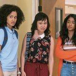 Fabiola, Eleanor y Devi en la temporada 1 de 'Yo nunca'