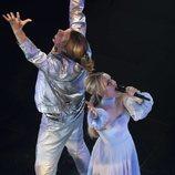 Lars y Sigrit actúan en 'Festival de la Canción de Eurovisión: La historia de Fire Saga'