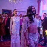 Conchita Wurst y Elina Nechayeva en 'Festival de la Canción de Eurovisión: La historia de Fire Saga'