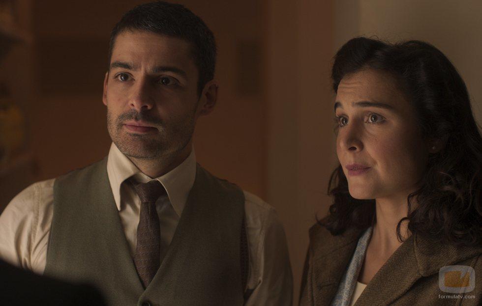Nico Romero y Nadia de Santiago en la temporada final de 'Las chicas del cable'