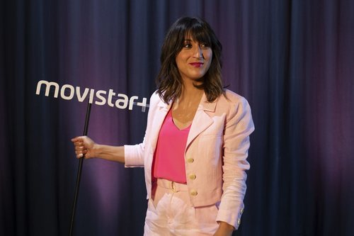 Susi Caramelo junto al logo de Movistar+