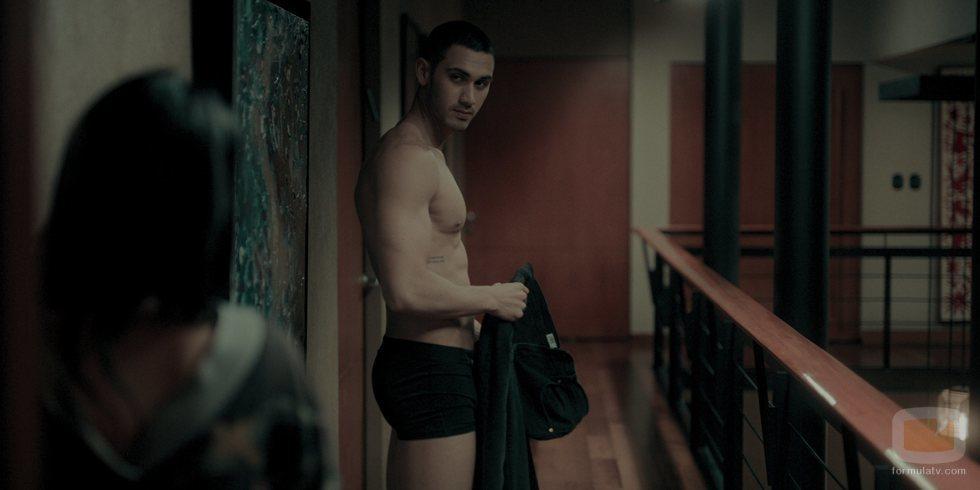 Alejandro Speitzer como Darío Guerra en 'Oscuro deseo'