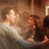 Susan y Mike en el bar en llamas de 'Mujeres desesperadas'