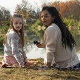 Amelie Bea Smith y Tahirah Sharif en 'La maldicion de Bly Manor'
