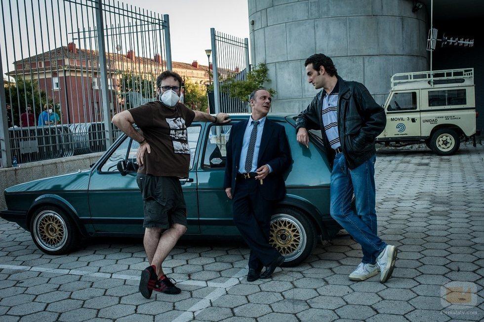 Carlos Therón, Miki Esparbé y Javier Gutiérrez en el rodaje de 'Reyes de la noche'
