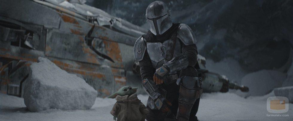 Baby Yoda y Mando en la temporada 2 de 'The Mandalorian'