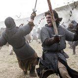 Jaime Lorente en una batalla de 'El Cid'