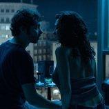 Álex de Lucas y Lola Rodríguez en el capítulo 1x03 de 'Veneno'