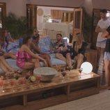 Las solteras conocen a los chicos en 'La isla de las tentaciones 2'