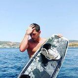 Tom Brusse, de 'La isla de las tentaciones 2', sin camiseta tras practicar equí aquático