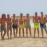 Los solteros de 'La isla de las tentaciones 2' sin camiseta