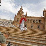 """Soleá en la Plaza de España de Sevilla durante el rodaje del videoclip de """"Palante"""""""