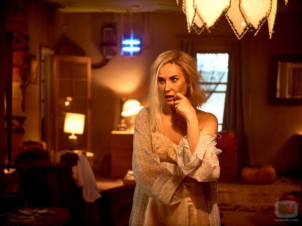 Linda (Demi Moore) en 'Brave New World'