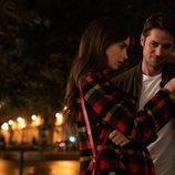 Emily Cooper y Gabriel en 'Emily en París'