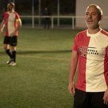 Márquez jugando al fútbol en la cuarta temporada de 'Estoy vivo'
