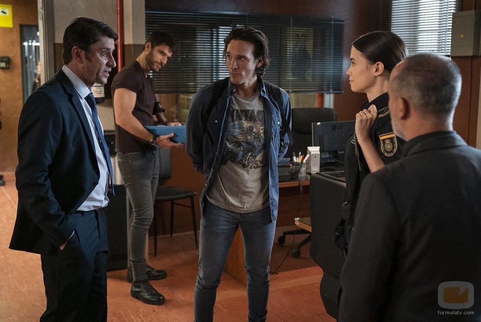 Landa, Adriana y Mikel, las incorporaciones a la comisaría en 'Estoy vivo'