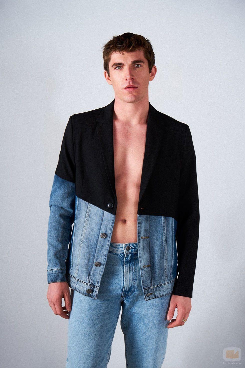 Eric Masip muestra su torso en Shangay