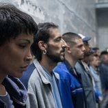 Cristina (Daniela Santiago), en la cárcel de hombres en el 1x07 de 'Veneno'