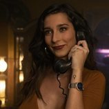 Valeria, sonriente en el capítulo 1x07 de 'Veneno'