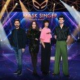 Posado de los investigadores de 'Mask Singer: adivina quién canta'