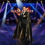 Arturo Valls, en el escenario de 'Mask Singer: adivina quién canta'