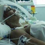 Cristina (Isabel Torres) en el hospital en el final de 'Veneno'
