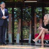 Jorge Javier Vázquez mira serio a Belén Rodríguez en 'La casa fuerte 2'