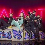 Soleá junto a sus bailarines en el escenario de Eurovisión Junior 2020