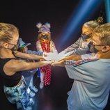 Soleá y sus bailarines unen sus manos antes de Eurovisión Junior 2020