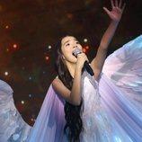 Karakat Bashanova, representante de Kazajistán, en la Gran Final de Eurovisión Junior 2020