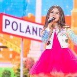Valentina, representante de Francia, en la Gran Final de Eurovisión Junior 2020